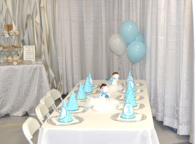 winter birthday party room