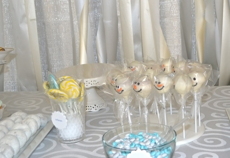 winter wonderland theme snowman cake pops
