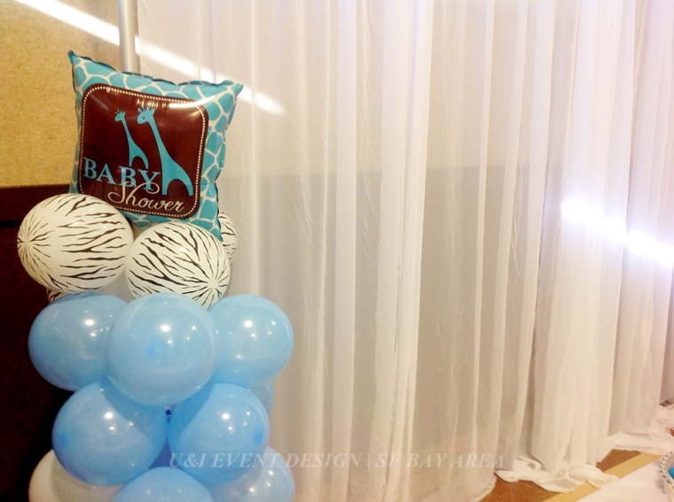 safari baby shower balloon art