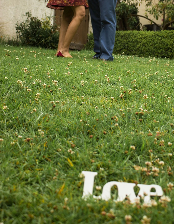 san francisco bay area engagement_love sign prop