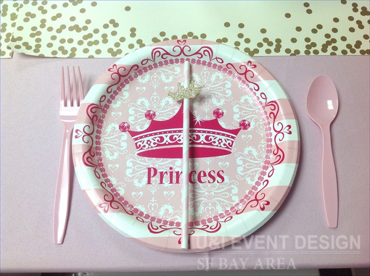 pink princess gold crown paper plate straw