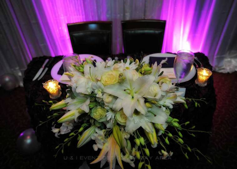 sweet heart table floral centerpiece at harris restaurant san francisco bay area wedding reception venue