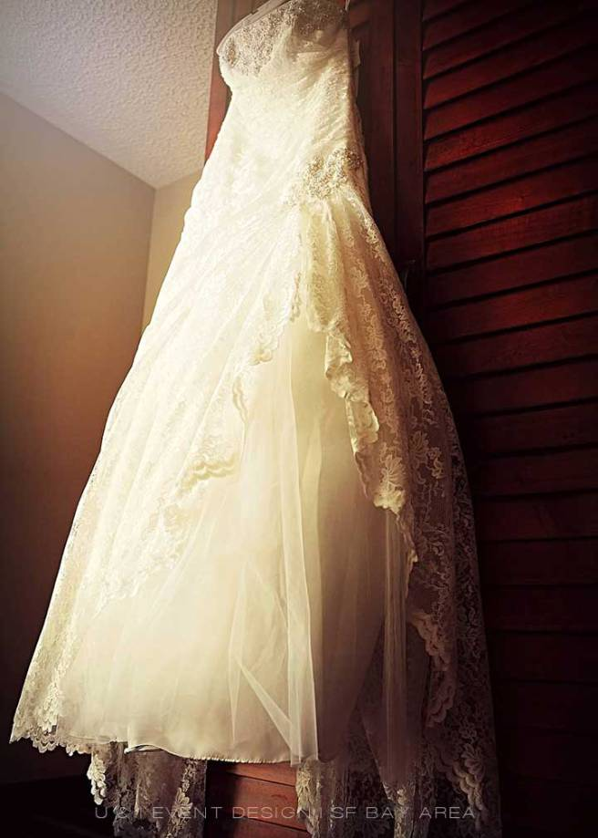 beautiful wedding dress shot by san francisco bay wedding photographer